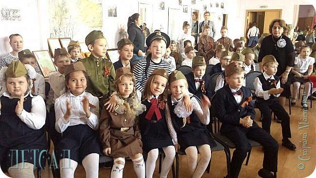 Ежегодно ко Дню Победы, обучающиеся возлагают цветы к памятнику погибшим участникам Великой Отечественной войны. фото 6
