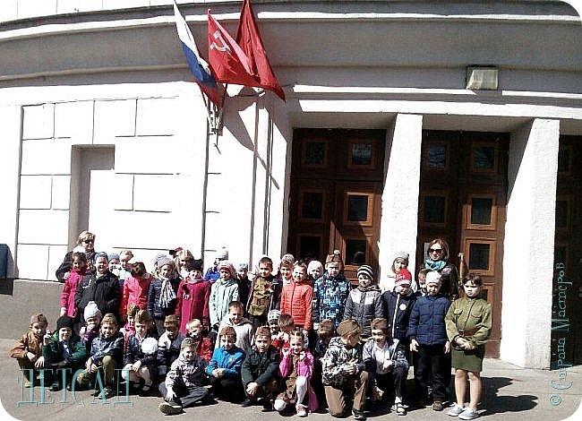 Ежегодно ко Дню Победы, обучающиеся возлагают цветы к памятнику погибшим участникам Великой Отечественной войны. фото 5