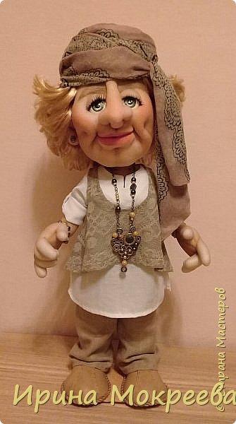 Здравствуйте жители страны мастеров , сегодня закончила работу над  новой куклой . Кукла предназначается в подарок  от подчинёных своей начальнице. фото 1
