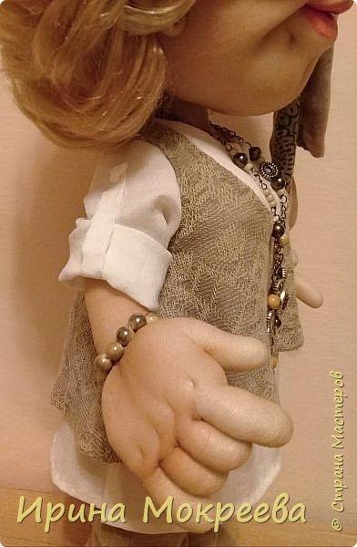 Здравствуйте жители страны мастеров , сегодня закончила работу над  новой куклой . Кукла предназначается в подарок  от подчинёных своей начальнице. фото 4