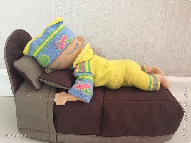 Вот такой у нас появился малыш. Сладко спит в своей кроватке. фото 1