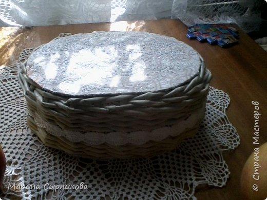 Плету я немного, но зато для пользы дела ;) Вот такая вазочка-корзиночка на стол. фото 3