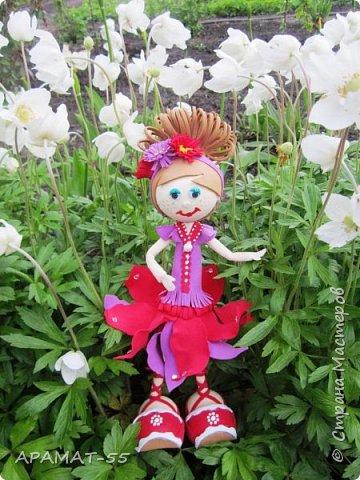 Здравствуйте. Сегодня я покажу вам куколку, которую сделала по МК  http://stranamasterov.ru/node/1096393?c=favusers  Татьяны Шмелевой.  Первая и самая любимая.  Процесс затягивает. фото 1