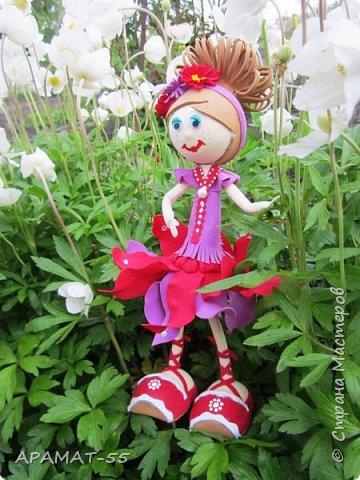 Здравствуйте. Сегодня я покажу вам куколку, которую сделала по МК  http://stranamasterov.ru/node/1096393?c=favusers  Татьяны Шмелевой.  Первая и самая любимая.  Процесс затягивает. фото 2
