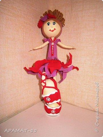 Здравствуйте. Сегодня я покажу вам куколку, которую сделала по МК  http://stranamasterov.ru/node/1096393?c=favusers  Татьяны Шмелевой.  Первая и самая любимая.  Процесс затягивает. фото 6