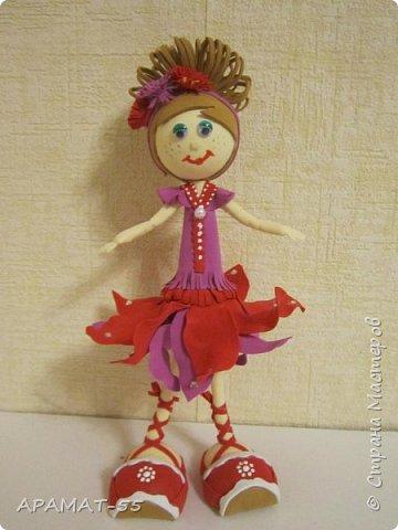 Здравствуйте. Сегодня я покажу вам куколку, которую сделала по МК  http://stranamasterov.ru/node/1096393?c=favusers  Татьяны Шмелевой.  Первая и самая любимая.  Процесс затягивает. фото 7