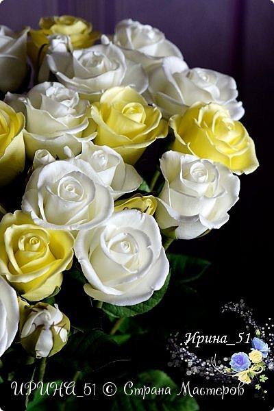 Букет роз. Количество 31шт (не считая бутонов). Выполнены из зефирного фома. Листья - иранский фоамиран. фото 9