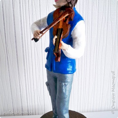 Племяннику любителю музыки скрипки - подарок  на день рождения. фото 5