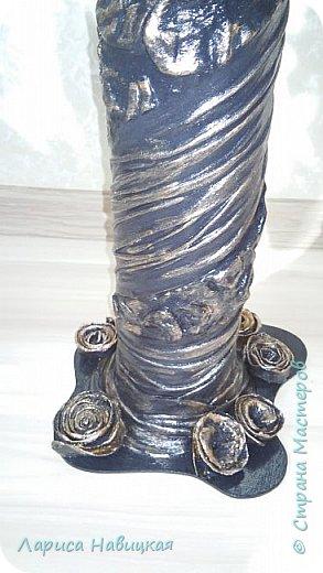 Трубка от линолеума,ткань,яичные лотки,клей,краска,лак. Получилась вот такая напольная ваза. Высоковатая наверно,80 см. Ну,так отпилилось. фото 2