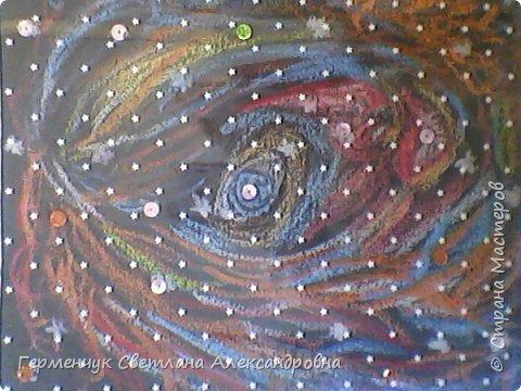 """Рисунок восковыми мелками на мелкозернистой  наждачной бумаге- """"Космос"""".(Рисунок из интернета) фото 3"""