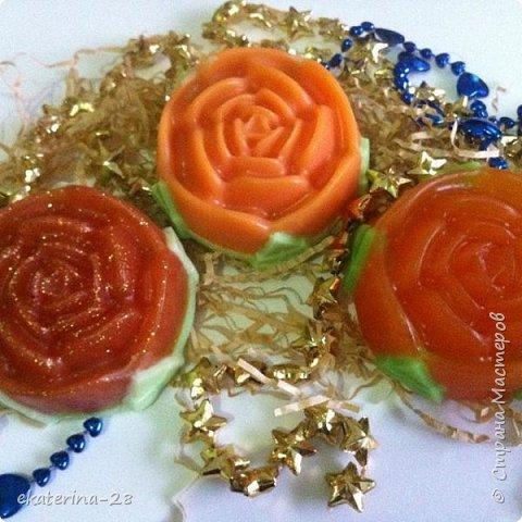 """Сегодня у нас с дочей был """"день мыловарения""""))) Вот чего наварили:  Апельсиновое мылко фото 1"""
