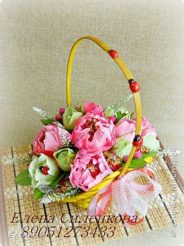 Этот блог с работами  посвященными в основном 8 марта... Корзинка нарциссы с тюльпанами родилась просто на одном дыхании фото 3