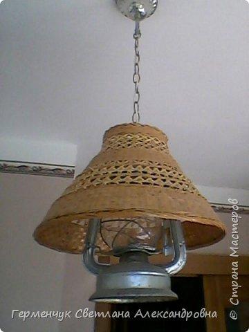Эту  лампу с абажуром   из соломки  приобрела  в  магазине .Она очень мне приглянулась - легкая ,красивая  и изящная. фото 3