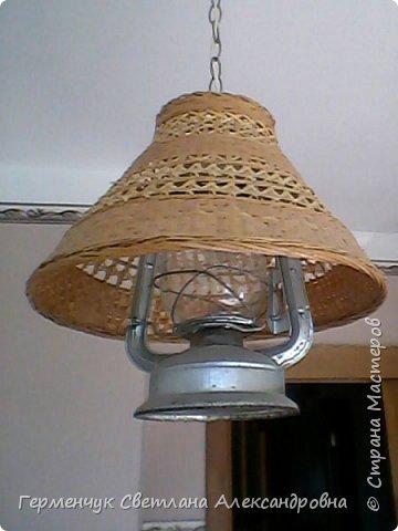 Эту  лампу с абажуром   из соломки  приобрела  в  магазине .Она очень мне приглянулась - легкая ,красивая  и изящная. фото 2