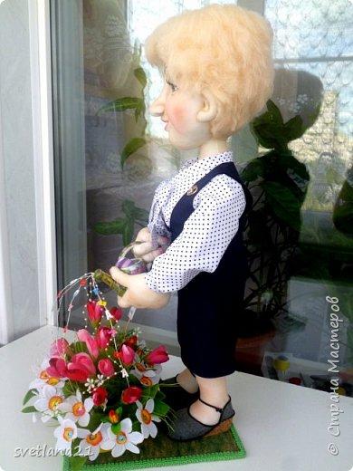 Добрый день всем мастерицам, вот очередная кукла выполнена в технике сухого валяния  для последнего звонка в начальной школе фото 2
