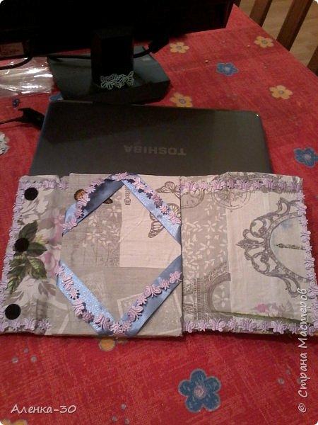 Вот такой чехол у меня получился в подарок моей золовке. Купили ей планшет а к нему в довесок сделала чехол.))))) фото 2