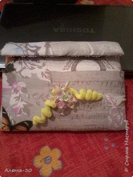 Вот такой чехол у меня получился в подарок моей золовке. Купили ей планшет а к нему в довесок сделала чехол.))))) фото 1