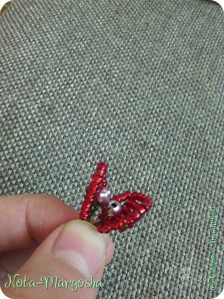 Здравствуйте, дорогие жители СМ! Сегодня я хочу показать МК закладки-цветка в технике бисероплетения. Сильно тапками не забрасывайте - это мой первый МК. фото 19