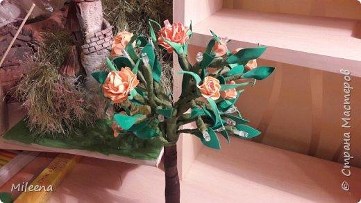 Всем привет!!!! Я к Вам со своим новым деревом ))) Сделала его из гирлянды с цветочками из фома. фото 6