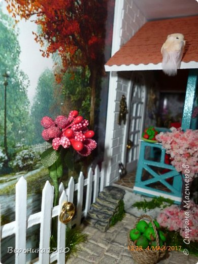 """Всем привет. Моя новая миниатюра """"Сад """" и маленький МК. Миниатюра длинная, почти 60 см, но высотой 15см, поэтому общий вид сделать сложно. Далее будут фрагменты и можно все разглядеть. фото 37"""