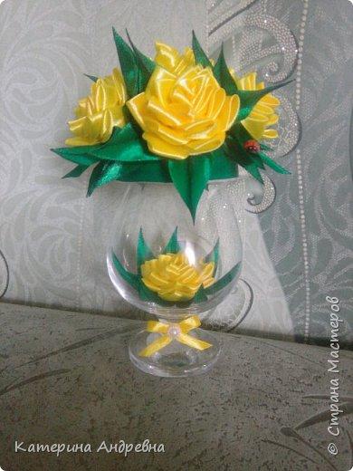 В желтом цвете)))