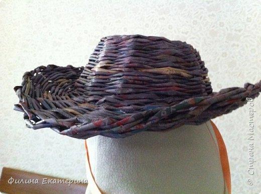 Здравствуйте. Я увлекалась плетением из газетных трубочек и хочу поделиться с вами своими изделиями. Это моя вторая корзиночка. Первая получилась совсем кривая. фото 17