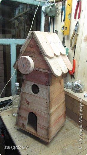 Здравствуйте! Это моя вторая мельничка для украшения сада. Сделана из массива, покрыта лаком. фото 5