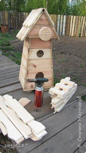 Здравствуйте! Это моя вторая мельничка для украшения сада. Сделана из массива, покрыта лаком. фото 9