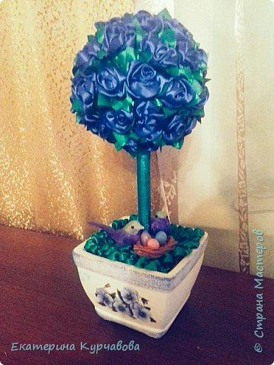 Уж очень мне нравиться синий цвет. Жаль, что фотографии не качественные и не могут передать насыщенный цвет этих роз( Птичек я покупала готовых, а вот их отпрысков лепила сама) фото 2
