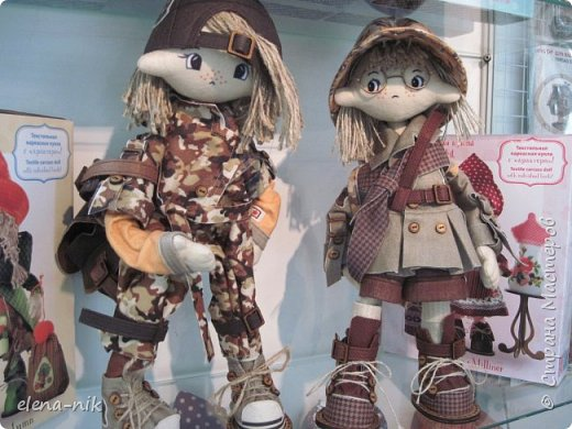 Нормальные  люди в 12 ночи уже спят. Но у меня сегодня был день впечатлений, поэтому не спится и решила  вам показать некоторые куклы, да и не только куклы, которые я сегодня увидела на выставке.  фото 2