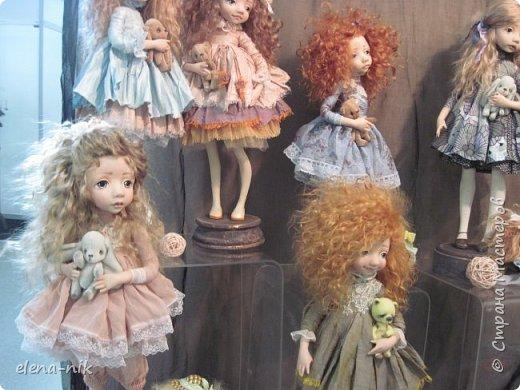 Нормальные  люди в 12 ночи уже спят. Но у меня сегодня был день впечатлений, поэтому не спится и решила  вам показать некоторые куклы, да и не только куклы, которые я сегодня увидела на выставке.  фото 7