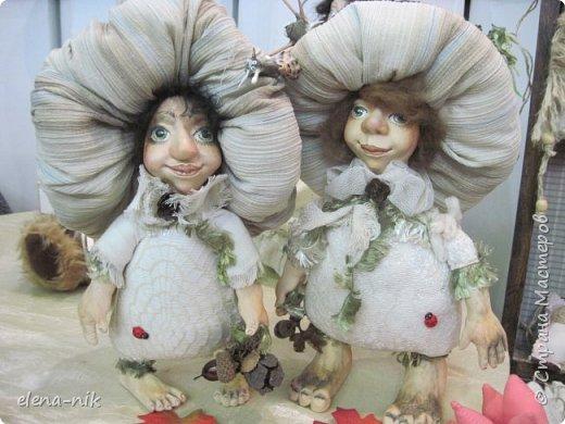 Нормальные  люди в 12 ночи уже спят. Но у меня сегодня был день впечатлений, поэтому не спится и решила  вам показать некоторые куклы, да и не только куклы, которые я сегодня увидела на выставке.  фото 8