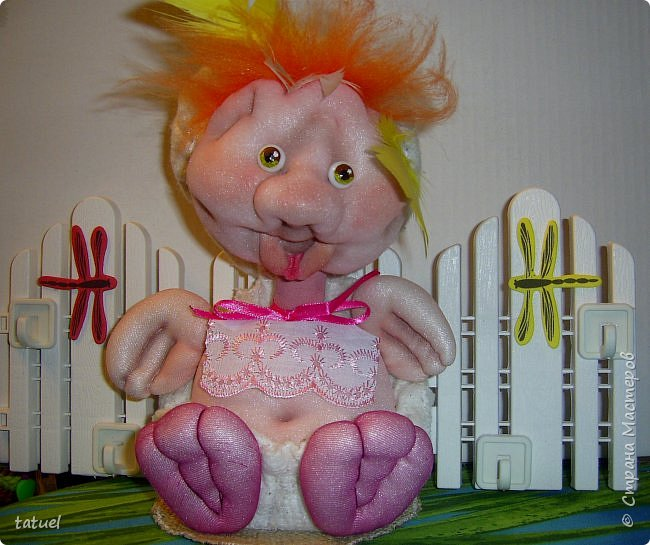Привет всем зашедшим! Сделала такую ключницу.  Это новорожденный утенок, который в будущем превратиться в прекрасного лебедя.  фото 2