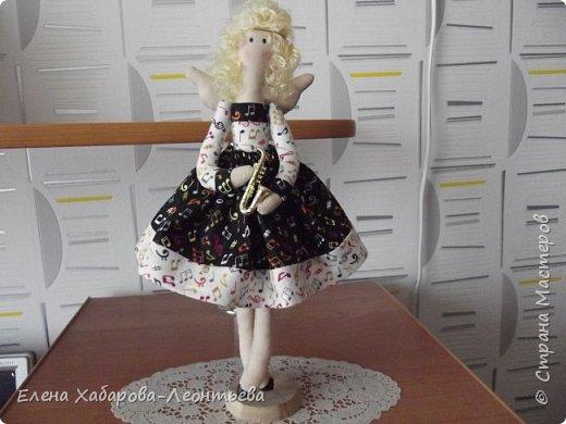 """Здравствуйте всем! Я к вам снова со своими любимыми куколками. На сей раз получились вот такие образы: Это ключница, Она живет в прихожей и """"выдает"""" ключи, а также следит за порядком. фото 2"""