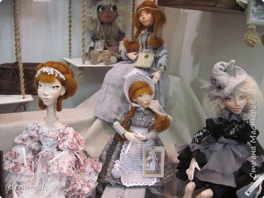Нормальные  люди в 12 ночи уже спят. Но у меня сегодня был день впечатлений, поэтому не спится и решила  вам показать некоторые куклы, да и не только куклы, которые я сегодня увидела на выставке.  фото 11