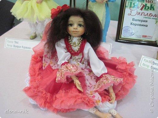 Нормальные  люди в 12 ночи уже спят. Но у меня сегодня был день впечатлений, поэтому не спится и решила  вам показать некоторые куклы, да и не только куклы, которые я сегодня увидела на выставке.  фото 12