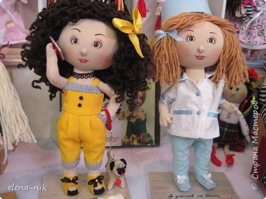 Нормальные  люди в 12 ночи уже спят. Но у меня сегодня был день впечатлений, поэтому не спится и решила  вам показать некоторые куклы, да и не только куклы, которые я сегодня увидела на выставке.  фото 18