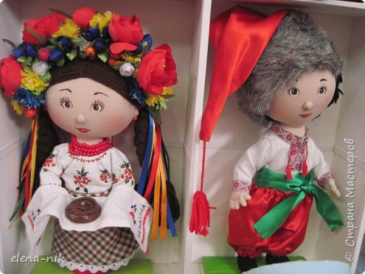 Нормальные  люди в 12 ночи уже спят. Но у меня сегодня был день впечатлений, поэтому не спится и решила  вам показать некоторые куклы, да и не только куклы, которые я сегодня увидела на выставке.  фото 19