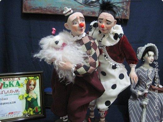 Нормальные  люди в 12 ночи уже спят. Но у меня сегодня был день впечатлений, поэтому не спится и решила  вам показать некоторые куклы, да и не только куклы, которые я сегодня увидела на выставке.  фото 20