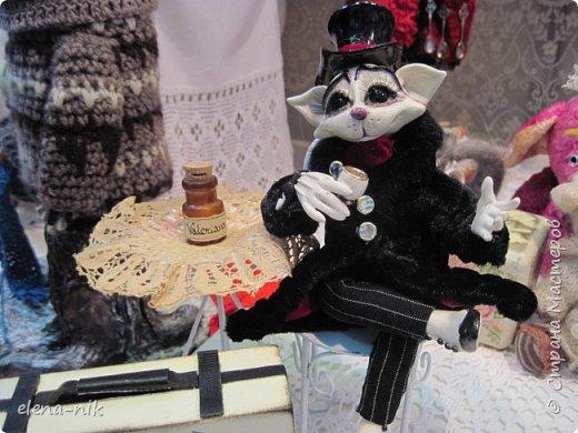 Нормальные  люди в 12 ночи уже спят. Но у меня сегодня был день впечатлений, поэтому не спится и решила  вам показать некоторые куклы, да и не только куклы, которые я сегодня увидела на выставке.  фото 22