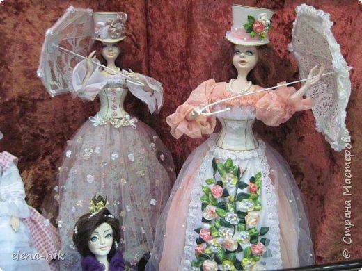 Нормальные  люди в 12 ночи уже спят. Но у меня сегодня был день впечатлений, поэтому не спится и решила  вам показать некоторые куклы, да и не только куклы, которые я сегодня увидела на выставке.  фото 23
