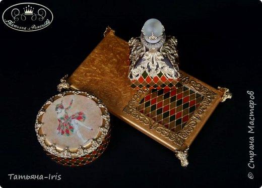 Прямой декупаж, имитация сетки,имитация метал.декора на шкатулке и флаконе, работа с витражными красками. фото 2