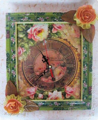 Приветствую,жители Страны Мастеров!Изготовила настенные часики,с нуля,без специальных заготовок.В основе лист фанеры(по размеру декупажной карты А4),потолочная плитка,рамка-потолочный плинтус.Это мои вторые часы. фото 6