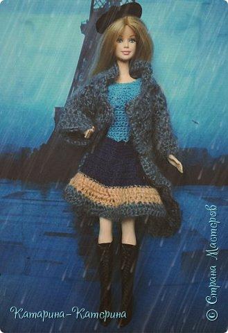 """Доброго времени суток! Я вернулась:) Сегодня я покажу комплект под названием """"Дождливый Париж"""". Диорама """"эйфелева башня"""" делалась специально для фотосессии. В комплекте пальто, юбка и топ, сапоги и беретка - фирменные. фото 2"""