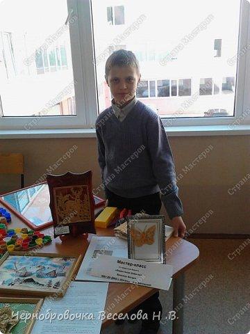 26апреля в Самарской школе 132 проводились Международные славянские чтения, в рамках которых организуется выставка декоративно-прикладного творчества. В этом году было выставлено более 200 работ со всей Самарской области. Мы помимо этого давали мастер-класс по прорезной бересте фото 3