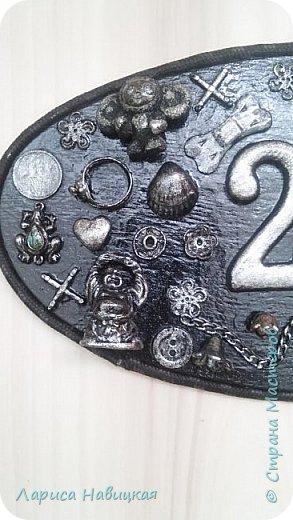 После того,как я сделала себе номерок на дверь,моим детям срочно понадобились такие же))) Сделала,только в серебре. фото 2