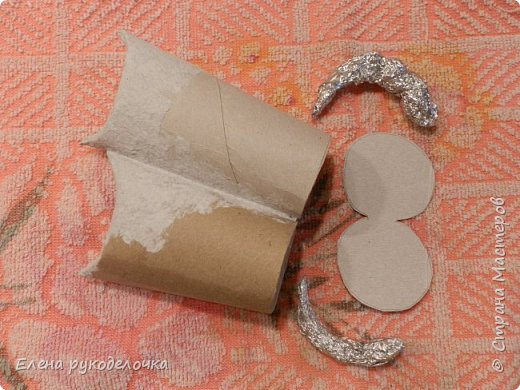 Продолжаю утилизировать рулончики от ТБ и бумажных полотенец. Кошечка сделана из рулончика от ТБ, а котик из рулончика от бумажного полотенца. Здесь можно посмотреть сову и ёжика  http://stranamasterov.ru/node/1097944 . фото 5
