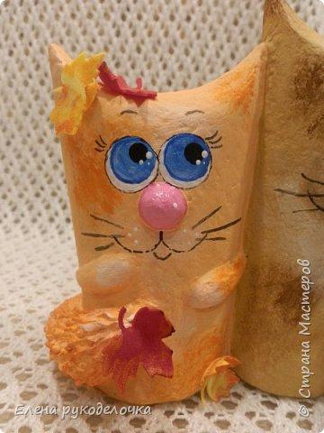 Продолжаю утилизировать рулончики от ТБ и бумажных полотенец. Кошечка сделана из рулончика от ТБ, а котик из рулончика от бумажного полотенца. Здесь можно посмотреть сову и ёжика  http://stranamasterov.ru/node/1097944 . фото 13