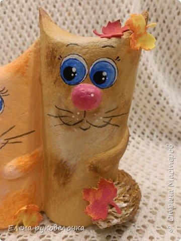 Продолжаю утилизировать рулончики от ТБ и бумажных полотенец. Кошечка сделана из рулончика от ТБ, а котик из рулончика от бумажного полотенца. Здесь можно посмотреть сову и ёжика  https://stranamasterov.ru/node/1097944 . фото 14
