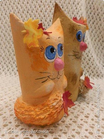 Продолжаю утилизировать рулончики от ТБ и бумажных полотенец. Кошечка сделана из рулончика от ТБ, а котик из рулончика от бумажного полотенца. Здесь можно посмотреть сову и ёжика  https://stranamasterov.ru/node/1097944 . фото 17